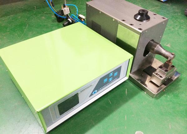 金属超声波焊接机